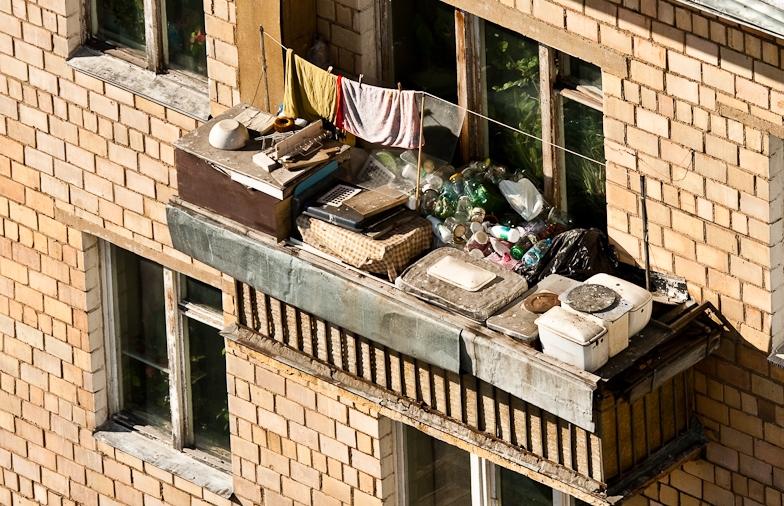 Жителей жуковского попросят навести порядок на балконах жуко.